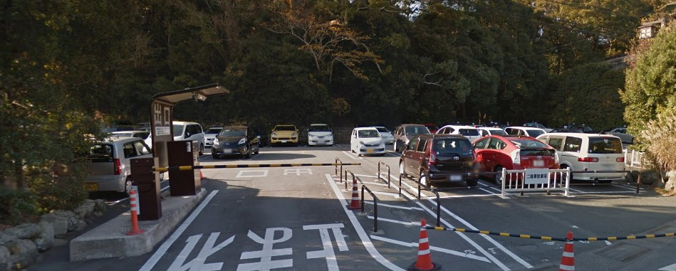 「宇治浦田信号(交差点)」から内宮へのルートは「午前8時~9時頃」に交通規制が始まる