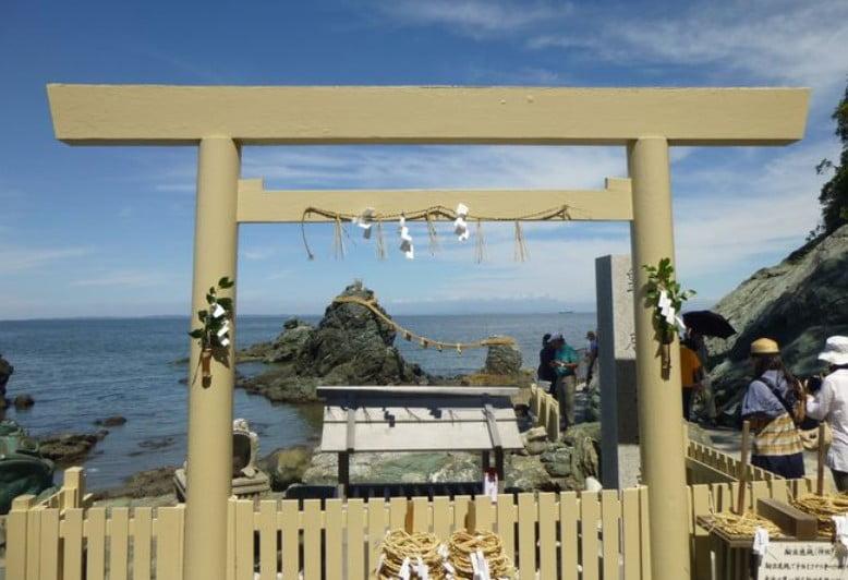 「二見興玉神社」は、ここで禊(みそぎ=身を清める)を済ませてから外宮、内宮の順番で参拝するのが正式な参拝方法である