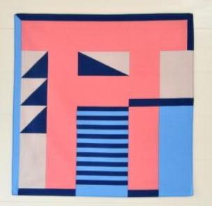 東京のテキスタイルブランド「Tricote」とコラボした「No.1コラボレーションハンカチ」(2,160円)