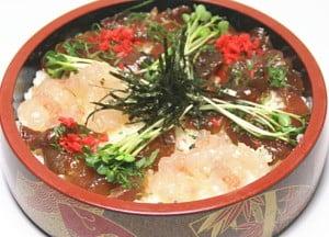 スイーツ部門でも紹介した味匠館からは、伊勢の郷土料理・てごね寿しによく合う、その名も「てごね寿しの素」(