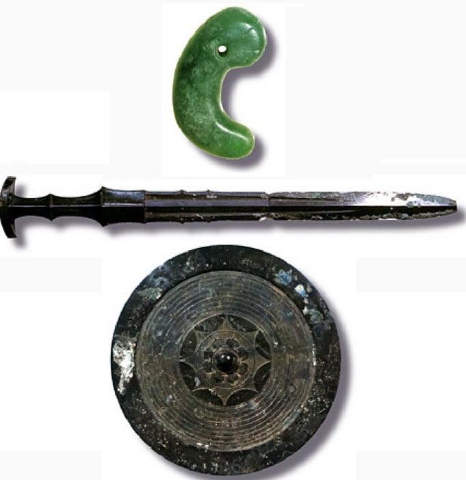 嘘まみれの過去だった!伊勢神宮と三種の神器:「本当の場所と意味・由来・歴史」など