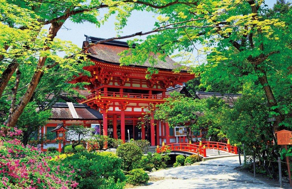 京都にある「賀茂神社」は、歴代の天皇が崇敬(すうけい)していた神社