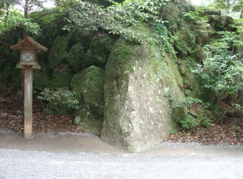 伊勢神宮(-JINGU-)◆ 籾だね石(MOMIDANE-ISHI)